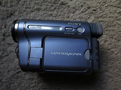 Sony CCD-TRV428 Hi 8 & Video 8 video Camera Handycam