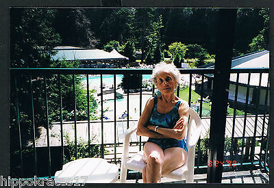 Photo anonyme alte Dame Badeanzug Foto vintage snapshot old lady swimsuit (36)