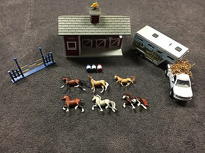 Breyer Reeves Animal Creations Horse Stable, 6 Mini Horses, Truck & Trailer