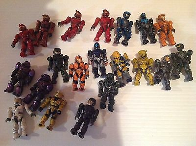 Call Of Duty and halo Mega blocks Lot Of Figures 20 figures