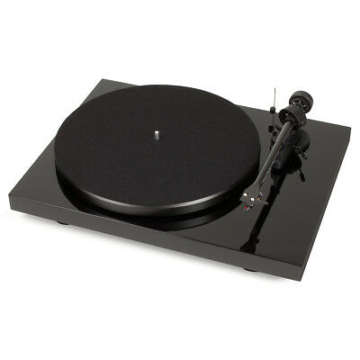 Pro-Ject Debut Carbon DC USB Turntable