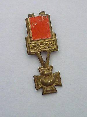 Vintage Action Man VICTORIA CROSS(one prong)
