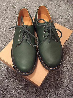 BN - Dr Martens Lace Up Shoes Size 6 Forest Green