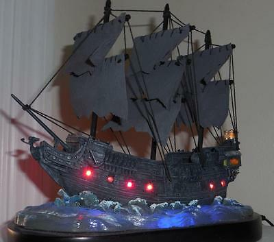 Disney Pirates of the Caribbean Black Pearl Light up ship