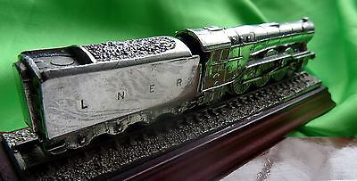 Royal Hampshire - The Flying Scotsman - Makers Of Fine Art Miniatures - (Used)