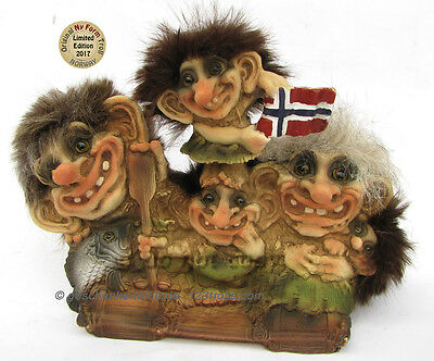 new limited Edition Ny Form Troll 2017, 318 Norway, Family on a raft