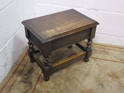 VICTORIAN SOLID OAK FOOT STOOL / STORAGE BOX With BARLEY TWIST SUPPORTS.