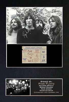 "PINK FLOYD - ""THE WALL""  MEMORABILIA - Collectors Signed Photo + FREE SHIPPING"