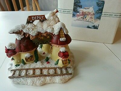 Retired Charming tails mushroom depot lighted house dean Griffin RARE