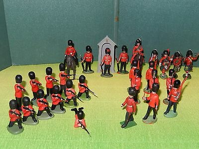 Britains Herald n. 28 Royal Scots Guards con garitta