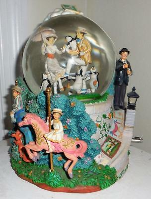 """Disney Mary Poppins """" lets go fly a kite"""" large snowglobe"""