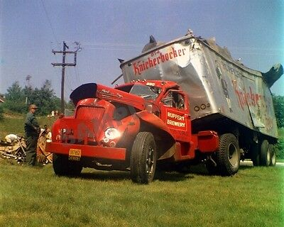 "1960's Mack Truck and Trailer Wreck Semi Truck Rig 8""x 10"" Photo 14"