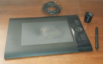 Wacom Intuos 4 - Medium Size - Graphic Tablet - Mac/PC - USB Wired