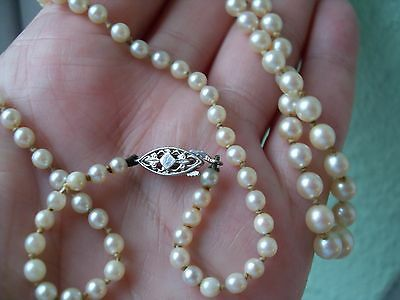 Delightful Cultured Pearl Necklace With Uk Hallmarked 9Ct White Gold Clasp..