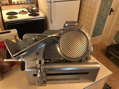 """A Commercial Meat Slicer """" Globe Gravity Feed """" Commercial Slicer """"c285"""""""