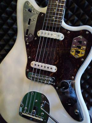 Fender Squier Vintage Modified Jaguar in Olympic White