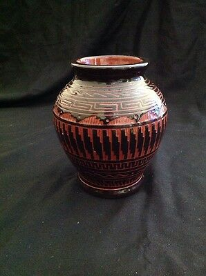 Beautiful Native American Indian Pottery Navajo Vase Signed C. Torres