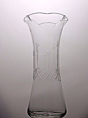 Vintage Large Beautiful Design Cut Glass  Crystal Vase - 25.5 Cm Tall