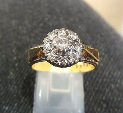 VINTAGE 18CT YELLOW GOLD DIAMOND CLUSTER RING - 6.4g!