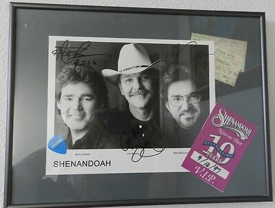 1997 Shenandoah Concert Autographed/Signed 8x10 Photo Country Music Group