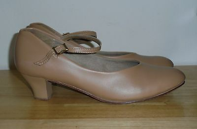 "Women's Tan Leather THEATRICALS Dance Shoes Heel 2"" Size 11 W GREAT Condition"