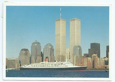 Vintage Postcard.QEII Ship passing WTC Twin Towers Used 4.12.2000. Ref:7186