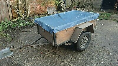 car trailer 5x3 with tarp.
