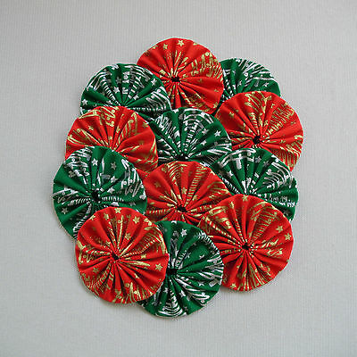 12 x 60mm - Red & Green Fabric Yoyos - Christmas Quilting Applique Scrapbooking