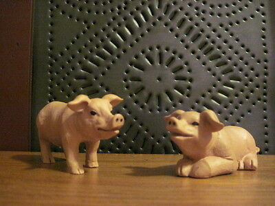 Blossom Bucket Farmhouse Set of 2 Pigs Resin Figures