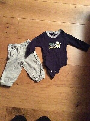 Boys Outfit Carter 9-12 Months Vest Tshirt And Jogging Bottoms.