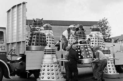 New 6 X 4 Photograph Behind The Scenes Making Of Dr Who 1