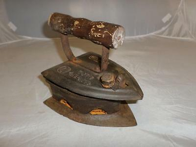*Antique Cast Sad Iron / Box Flat Iron - Bic Special 10 Tested - Coal fired*
