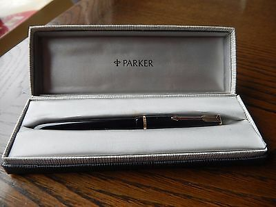 PARKER Duofold Fountain Pen , Cased in Very Good Condition 1940s