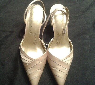 Womens High End Champagne Gold Bridal/Wedding Shoes size UK 4