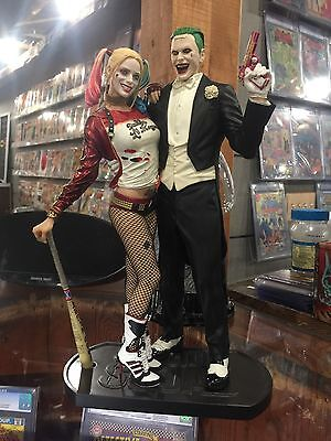 Suicide Squad Joker And Harley Quinn Statue New In Stock