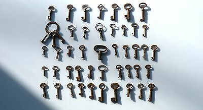 Qty Of Vintage Small Keys For Padlock, Cupboard, Drawers, Desks, Cases, Box Etc