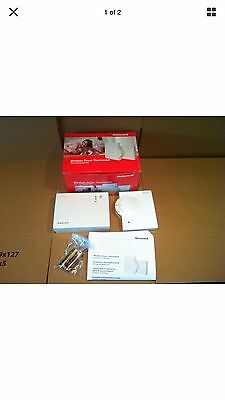 Honeywell Wireless Room Thermostat Kit  Y6630D1007
