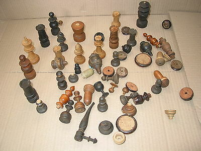 VINTAGE CHESSMEN OLD CHESS PIECES ASSORTED CHESS PIECES JOB LOT (set a)