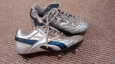reebok size 3 football boots