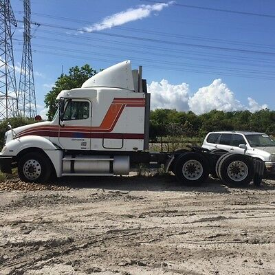 2004 Other Makes Columbia 120 Tractor Truck - Long Conventional 2004 Freightliner Conventional Columbia Semi Truck