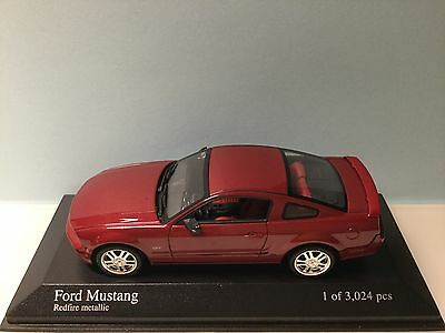 Minichamps 1:43 Ford Mustang 2005 Red met. 400 084120