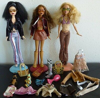 Mattel My Scene Barbie lot of 3 Dolls w stands Kennedy, Madison & Nollee + extra
