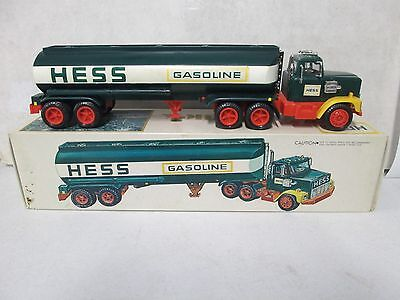 1977 Hess Truck Red Switch w/ Box, Insert, & Battery Installation Card (3)