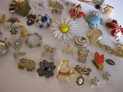 VINTAGE VARIETY LOT of 42 JEWELRY BROOCH PINS some signed