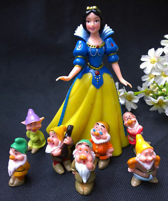Princess Snow White and the 7 Dwarfs Doll -NEW