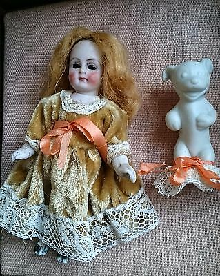 Collectible doll mignonette