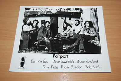 FAIRPORT CONVENTION - RARE ORIGINAL ISLAND GLOSSY PRESS RELEASE PHOTO Promo
