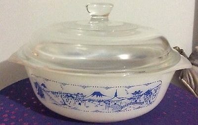 Pyrex Old Country Blues Pagoda Casserole Dish With Lid