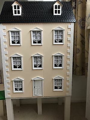 Dolls House - Traditional Georgian style, fully furnished.