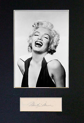 MARILYN MONROE - MEMORABILIA - Collectors Signed Photo + FREE SHIPPING WORLDWIDE